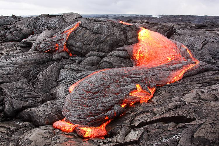 Glowing pahoehoe lava flow